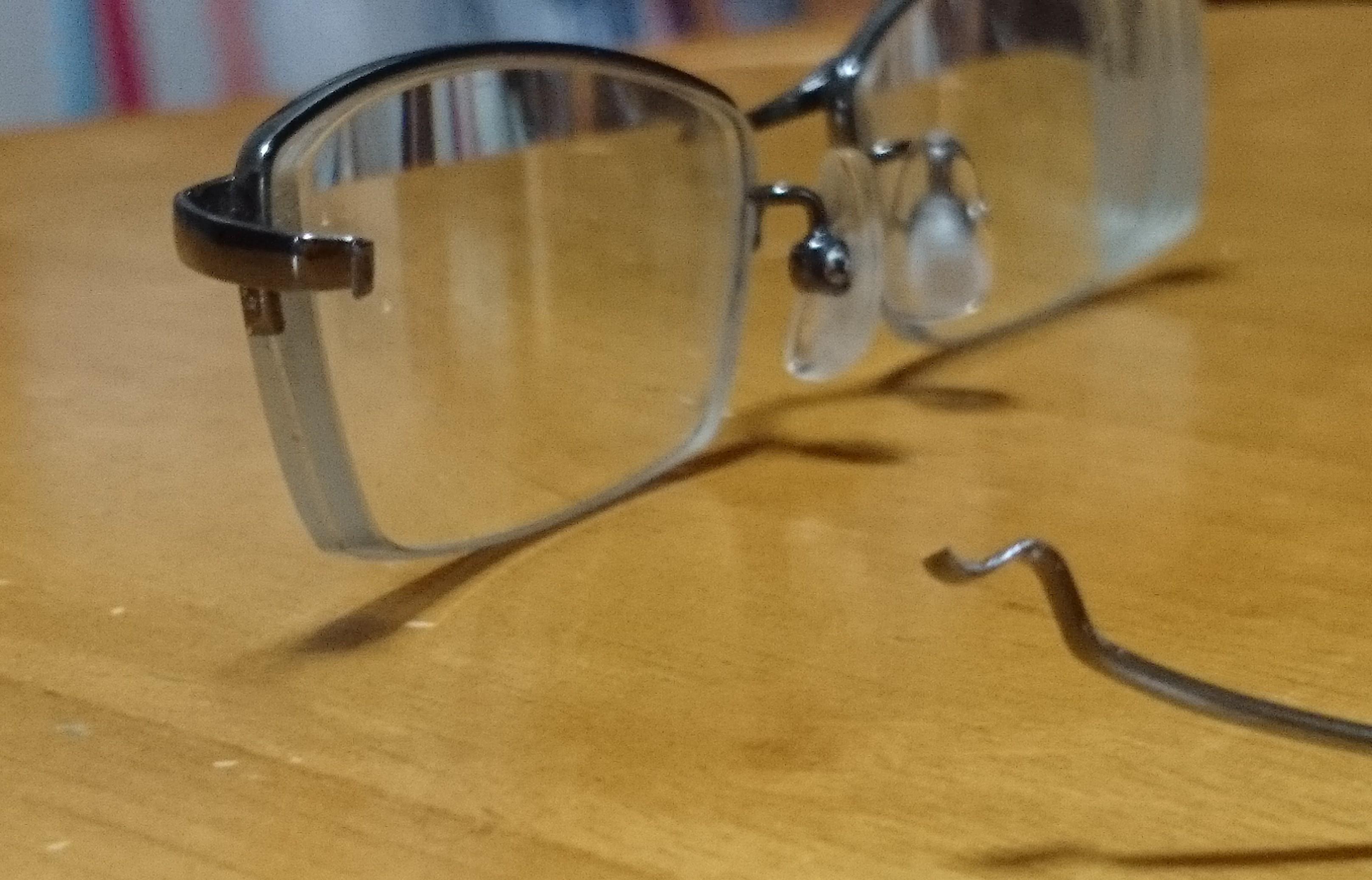 【眼鏡っコ必読?】3年8ヶ月使った眼鏡!ゼログラとの別れ
