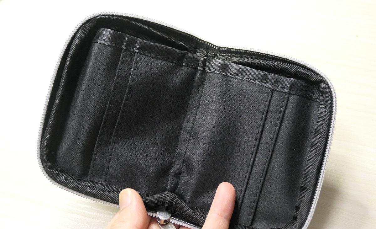 ラウンド財布の内側